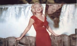 Marilyn Monroe on the set of Niagara