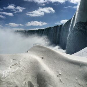 Snow mound and ice below the Horseshoe Falls.